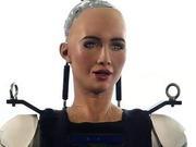 双语阅读:近距离接触人工智能机器人索菲亚