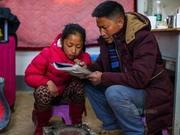 乡村教师曲比史古:扎根基层14年 圆孩子一个上学梦