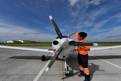 Pic story: female aircraft maintenance technician in Jilin
