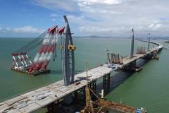 Main span of Hong Kong-Zhuhai-Macao bridge closed