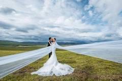 Photographer couple drives 7,000 km for wedding photos