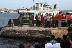 Boat with up to 450 migrants capsizes off Egypt, 42 drowned