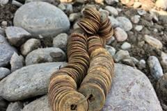 Coins found in Yangtze River cobblestones