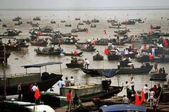 Poyang Lake sees end of three-month-long fishing ban