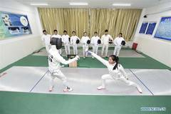 Middle school students learn fencing skills in north China