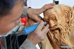 National carving vocational skill contest held in E China's Jiangxi