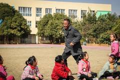 Teacher dedicated to career despite personal illness in E China's Jiangsu