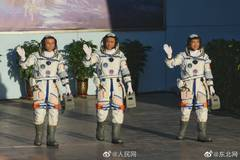 Shenzhou XII crew heads for space station module