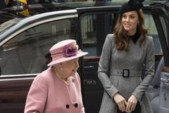 Queen Elizabeth, Duchess of Cambridge visit King's College London for opening of Bush House