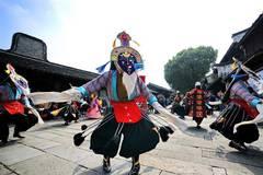 Troupers perform Tibetan opera in Wuzhen, China's Zhejiang