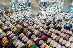 Muslim perform 1st Tarawih pray in Indonesia