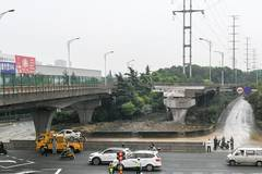 Xigang Road under collapsed overpass resumes traffic in Wuxi