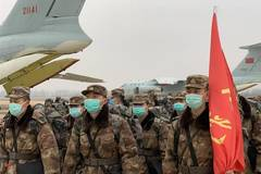 Military medical staff arrive in Wuhan