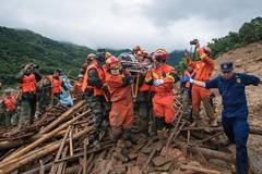 Rescue under way after rain-triggered landslide in Hubei
