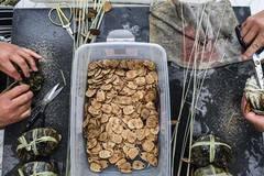 Crab harvest season in Wuxing of Huzhou
