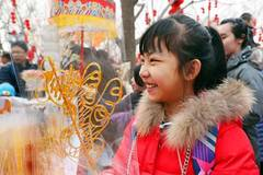 Smiling faces during Spring Festival across China
