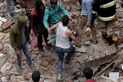 Three-year-old child dies, 16 injured in Cairo building collapse