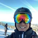吳彥祖留鬍渣帥氣不減 玩滑雪頭盔護目鏡裝備滿分
