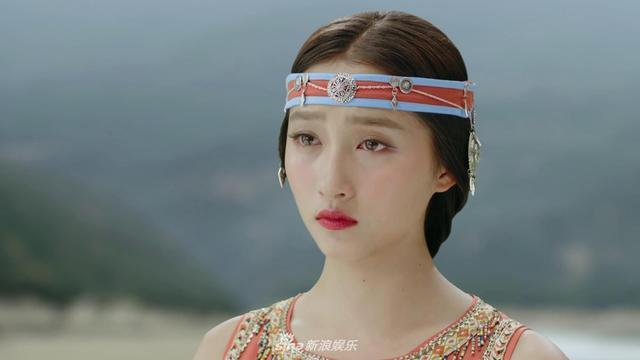 关晓彤枸杞色遭网友调侃 网友:预定2018流行色