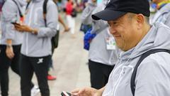 曾志伟谭咏麟等赴俄罗斯世界杯 罗家英为汪明荃拍照