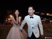组图:林志玲老公婚后发文显宠妻本色 新婚夫妻甜蜜依偎画面有爱