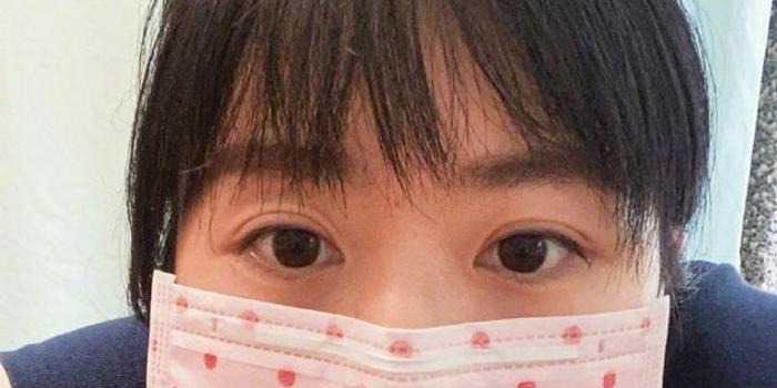 福原爱大眼睛自拍超可爱 晒新口罩不忘艾特老公