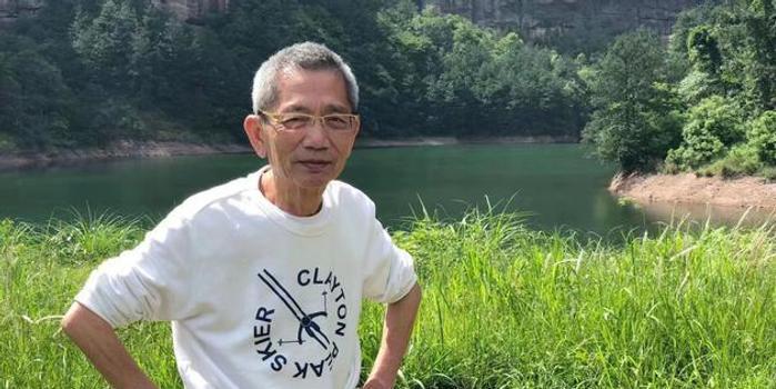 """著名导演邓衍成去世 被誉为""""香港罪案电影""""第一导"""