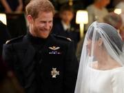 组图:哈里王子婚礼举行 二人深情对视亲吻甜蜜爆表
