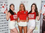 组图:英格兰小姐助力世界杯 红白配排排秀美腿