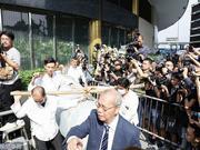组图:大侠一路走好!金庸先生今日香港出殡于宝莲寺火化