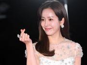 组图:韩智敏亮相青龙奖红毯 入围最佳女主角笑容满面