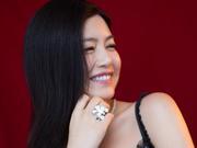 组图:辣妈陈妍希变性感少女 柔媚温婉露暖心甜笑