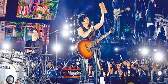 香港露天演唱会圆满结束 五月天再刷新乐坛纪录