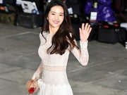 《小姐》金泰璃亮相 透视白裙仙气飘飘