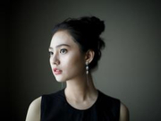 姜珮瑶亮相微博电影之夜 《追·踪》新人亮眼