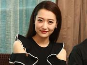 组图:《凤凰无双》女演员自曝为拍戏大块头发脱落