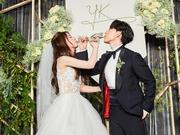 组图:林宥嘉丁文琪婚礼甜蜜举杯 交杯酒幸福对饮