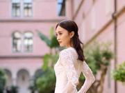 组图:彭静亮相威尼斯电影节闭幕 一袭白色礼服似女神