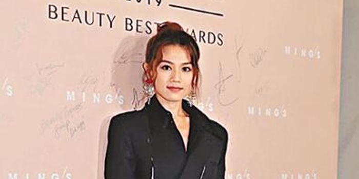 周秀娜称自己片酬很合理 近期一直忙拍戏和演出