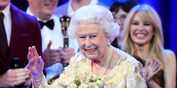 追随丈夫脚步?92岁英国女王或放弃在公路开车