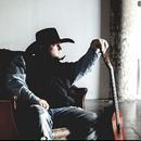 美國鄉村歌手因道具槍走火射中眼角身亡 年僅35歲