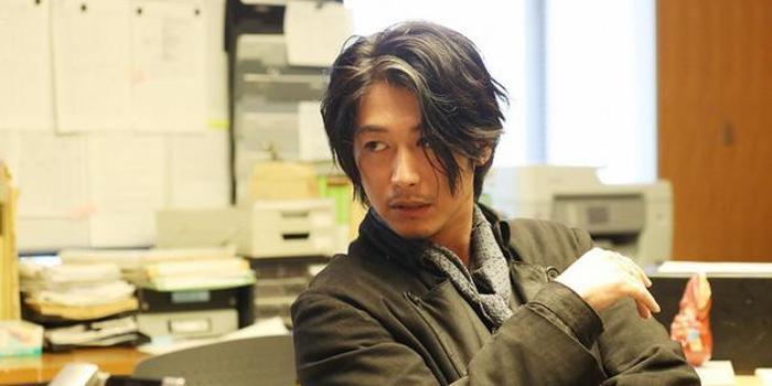 藤冈靛主演日剧《夏洛克》开拍 称进组就像同学会