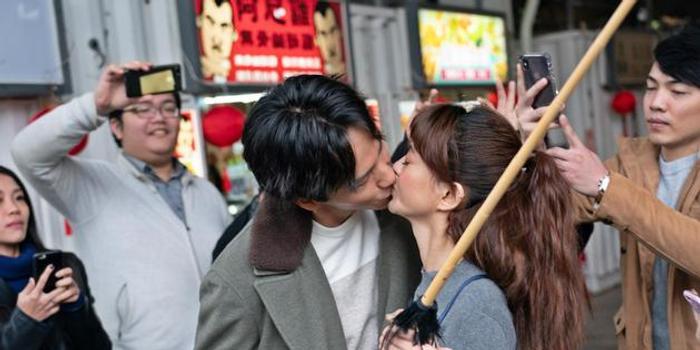 曹晏豪新片有正牌女友曾之乔 还遇赖雅妍送吻