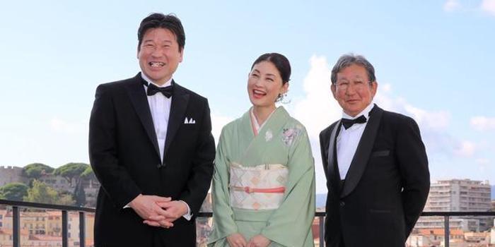 常盤貴子和服亮相戛納 新劇搭檔佐藤二郎將首映