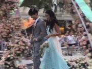 视频:付辛博颖儿大婚 伴郎伴娘团挽手入场