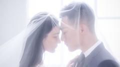 张馨予晒结婚证和婚纱照宣布结婚:嫁给爱情