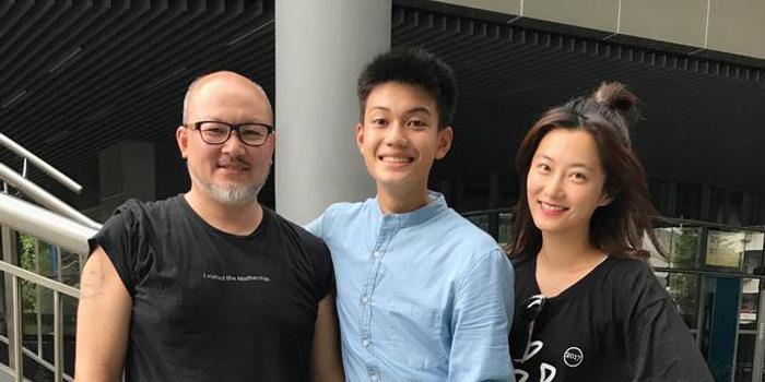 刘亮佐曝父爱礼物 纪录儿子刘子铨14岁首拍戏影像