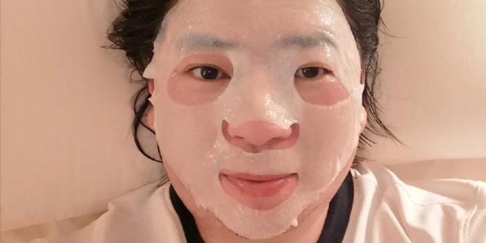 高晓松晒49岁的最后一张照片 网友:以为是傅首尔