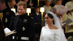 """哈里着军装与梅根举行结婚仪式 誓词很""""现代风"""""""