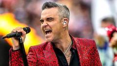 歌手世界杯表演竖中指 福克斯电视台为直播道歉